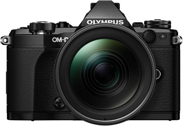 OLYMPUS E-M5 Mark II 12-40mm F2.8 レンズキット ブラック ミラーレス一眼
